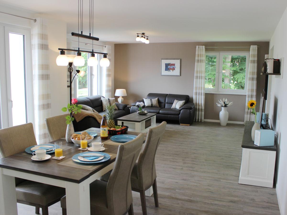 ferienwohnung parkblick gr mitz firma ostsee. Black Bedroom Furniture Sets. Home Design Ideas