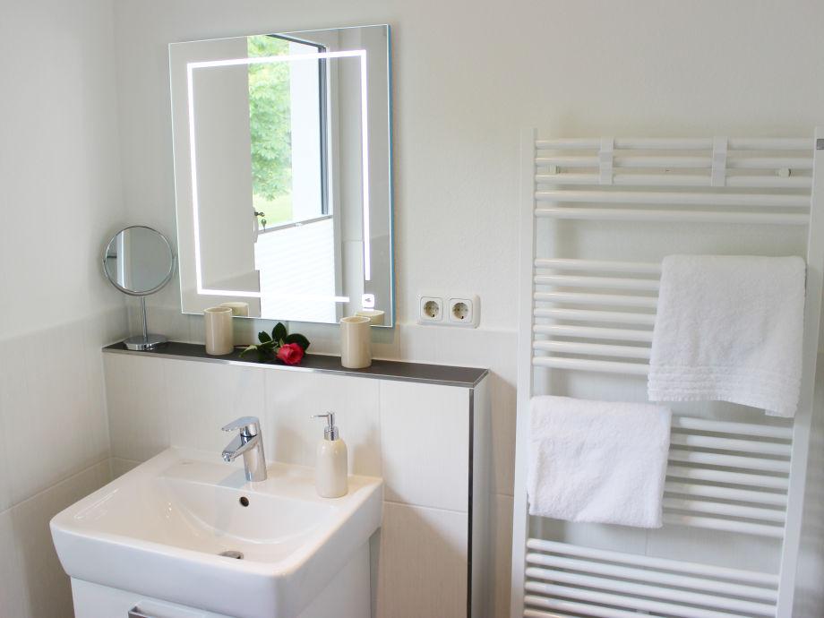 kleines gastebad mit dusche ferienwohnung parkblick grmitz firma ostsee vermittlung - Kleines Gastebad Mit Dusche