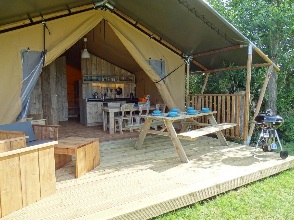 Zelt Terrasse : Ferienwohnung Safari Zelt f u00fcr 6 Personen, Zeeland Firma