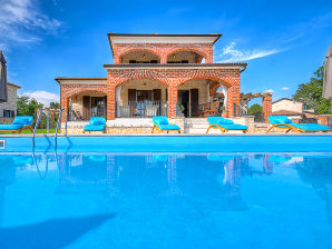 Villa Happy Holiday