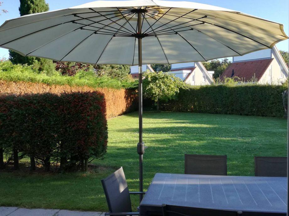 Spiel, Sport und Erholung - Platz genug dafür im Garten
