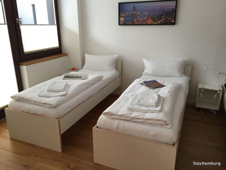 3 zimmer apartment kampnagel hamburg winterhude herr th vorsprecher. Black Bedroom Furniture Sets. Home Design Ideas