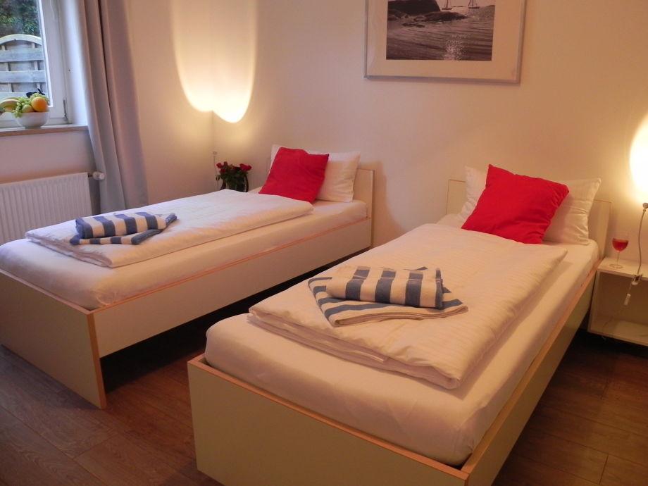 Schlafzimmer, 3 Einzelbetten ©StayHamburg