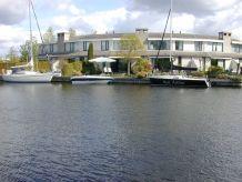 Ferienhaus MarinaPark Lemmer Haus- und Bootsvermietung | strandnah