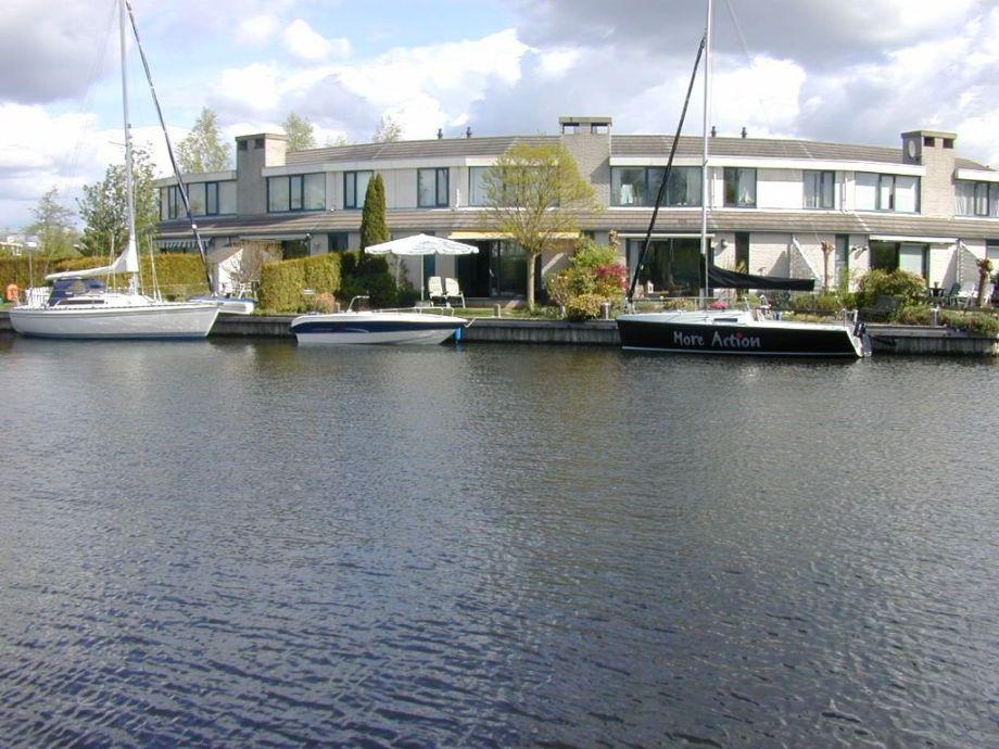Außenaufnahme en boat charter Lemmer