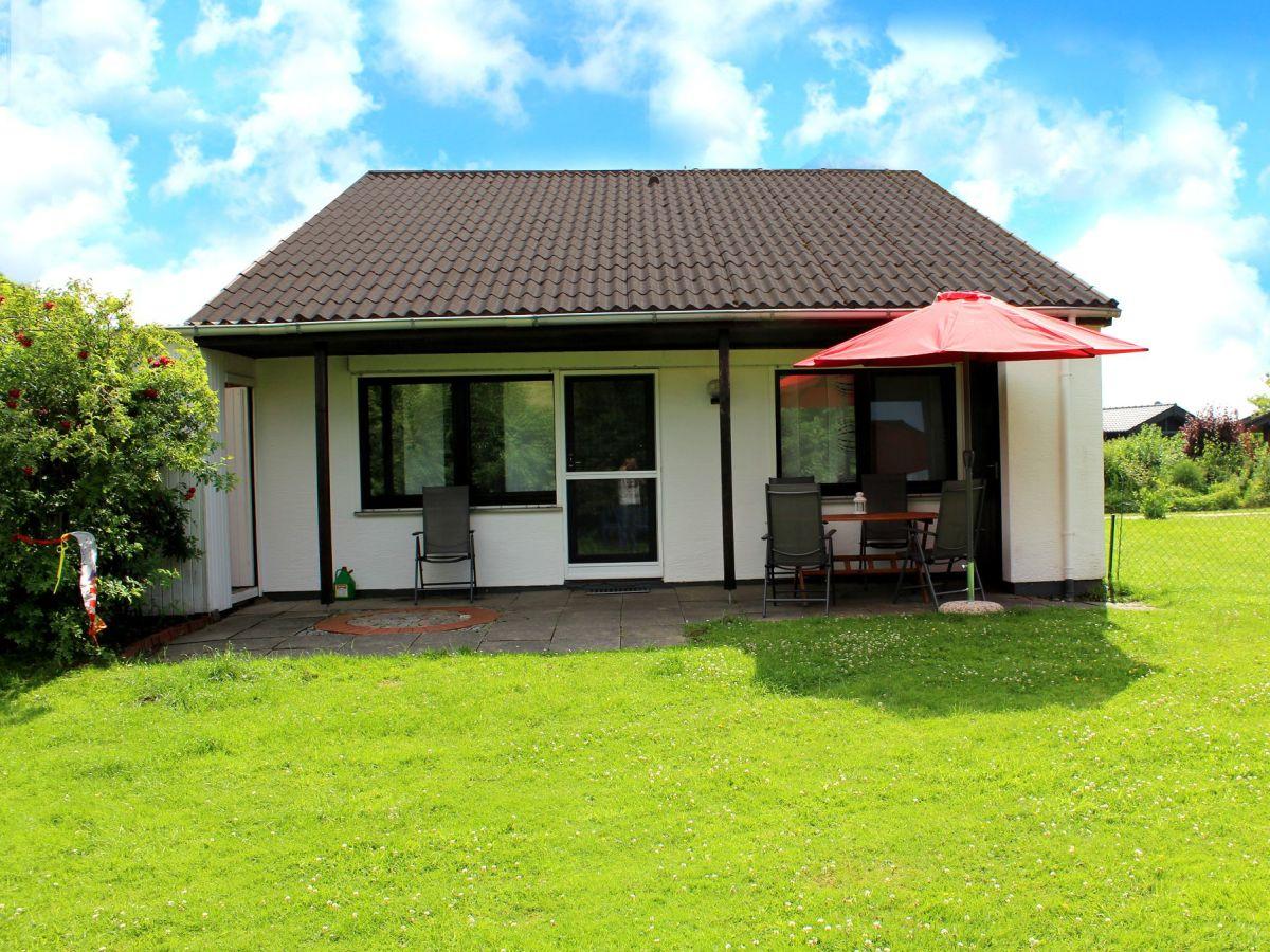 Ferienhaus nordsee robbe butjadingen firma ferienhaus for Haus mit garten