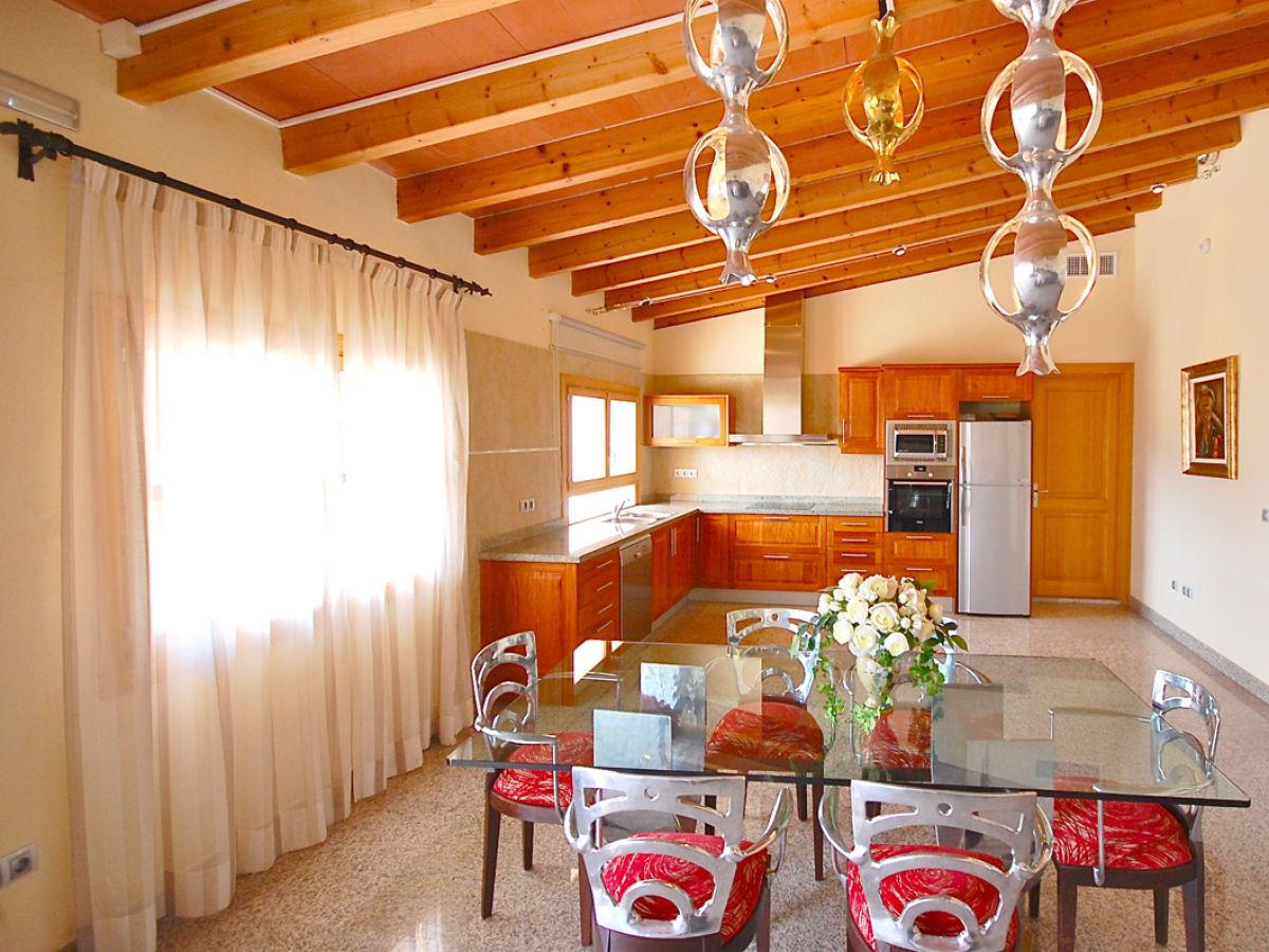 ferienwohnung bonany auf dem luxuslandgut sansaloni. Black Bedroom Furniture Sets. Home Design Ideas