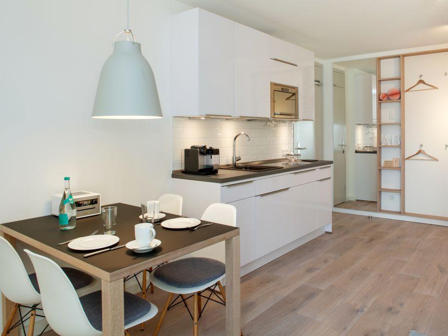 ferienwohnung sonnendeck sylt lofts sylt frau anne. Black Bedroom Furniture Sets. Home Design Ideas