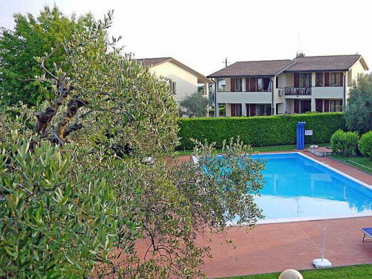ferienwohnung simone apartment mit pool und terrasse moniga del garda firma anita woithe. Black Bedroom Furniture Sets. Home Design Ideas