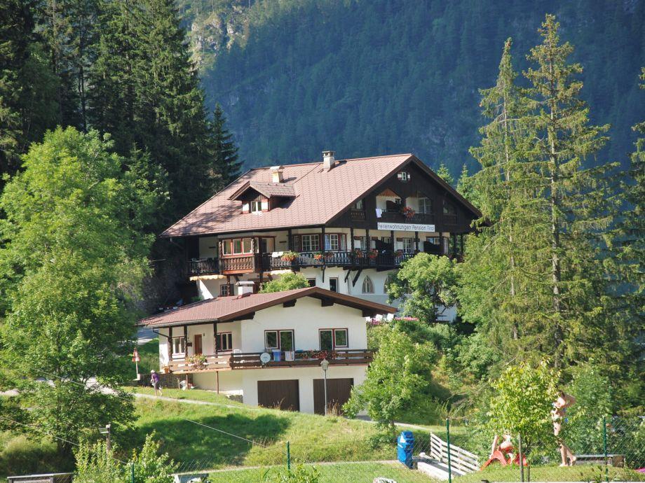 Außenaufnahme in der Pension Tirol