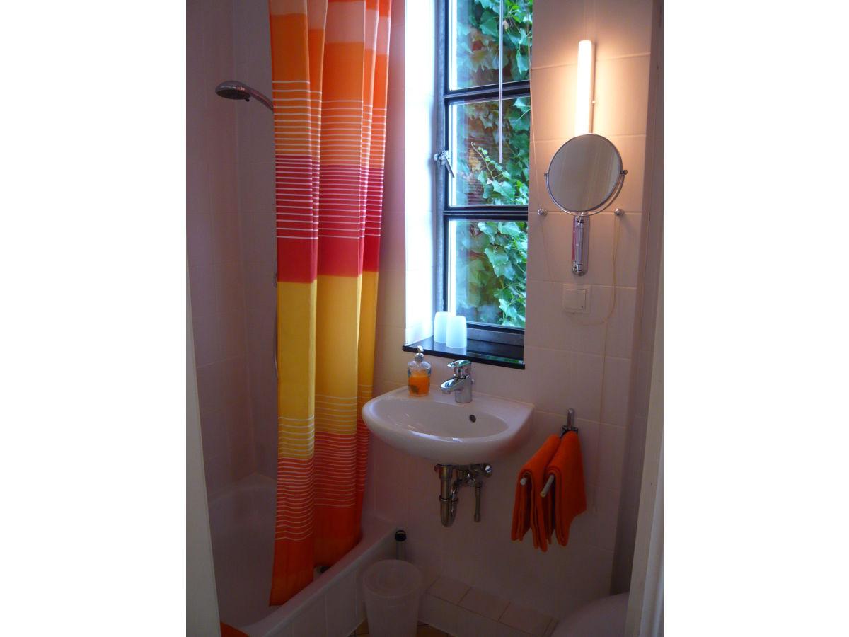 ferienzimmer heinrichstra e altona nord herr kurt rehkopf. Black Bedroom Furniture Sets. Home Design Ideas