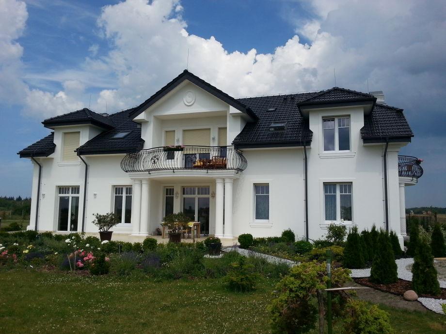 1 zimmer apartment auf dem akazienhof polnische ostsee grzybowo firma akazienhof frau. Black Bedroom Furniture Sets. Home Design Ideas