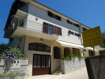 Holiday apartment Apartmani Hošnjak (3)