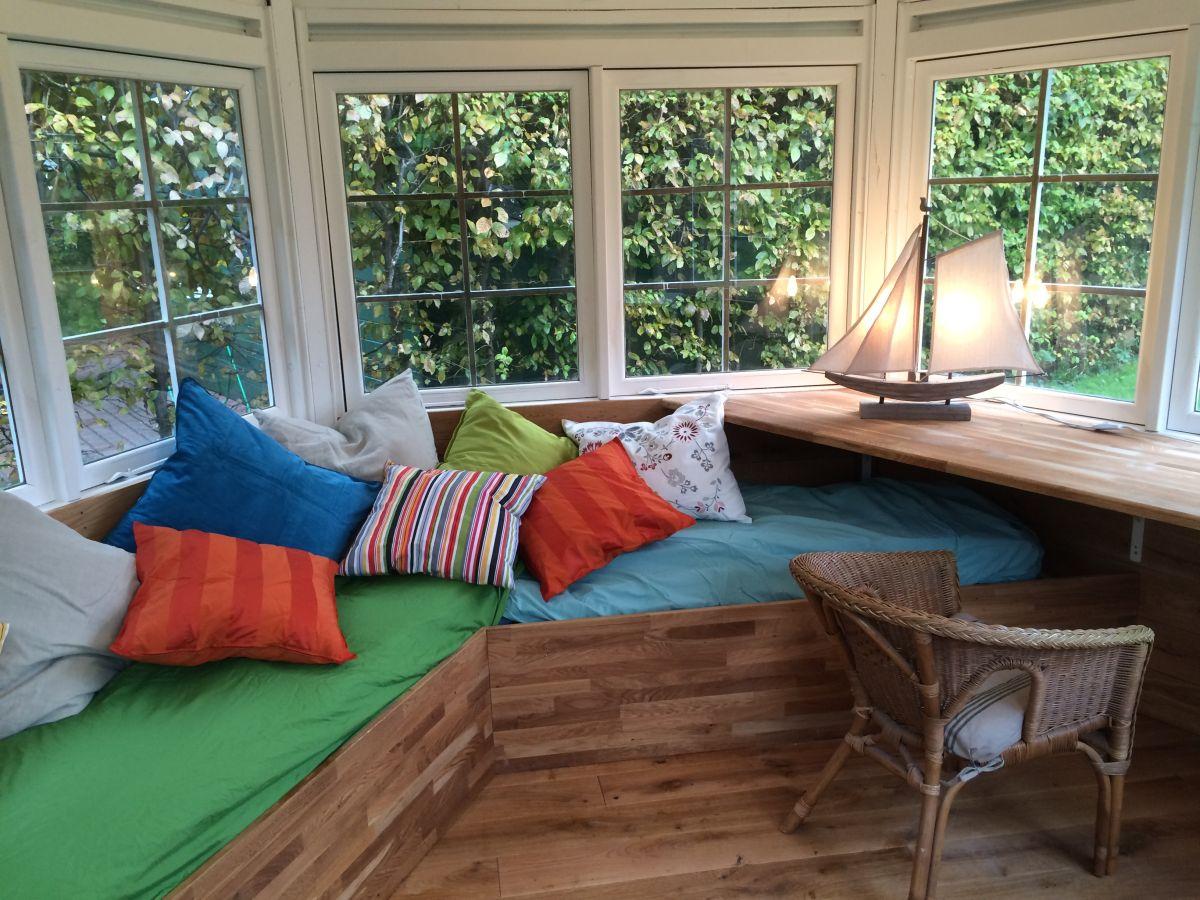 ferienhaus zeesenboot wohnung lee hiddensee vitte firma p i k zingst gmbh frau anne albrecht. Black Bedroom Furniture Sets. Home Design Ideas