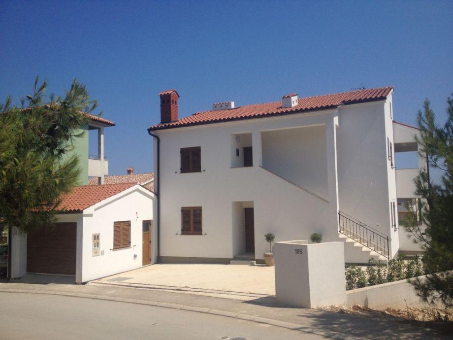Holiday house villa vanessa near beach