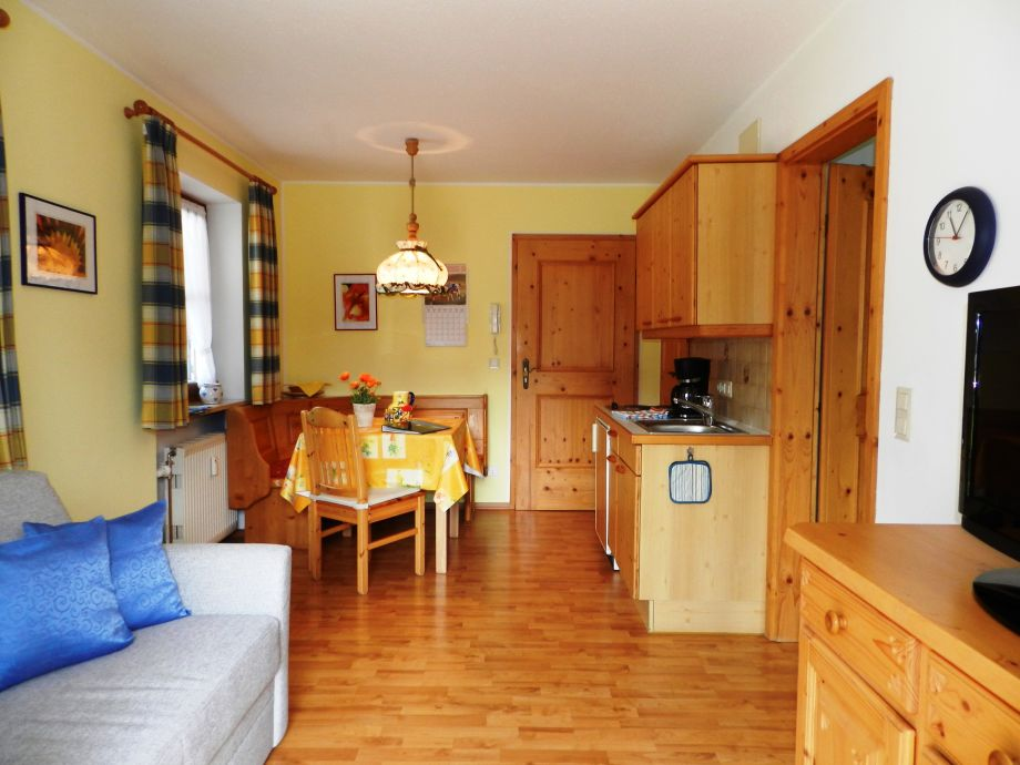 ferienwohnung k berchtesgadener land firma landhaus waldhauser frau karin ratke. Black Bedroom Furniture Sets. Home Design Ideas