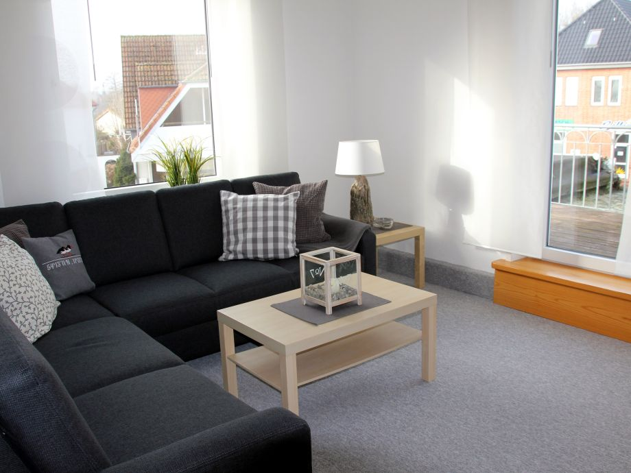Ein modernes großes Wohnzimmer