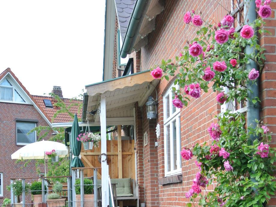 Eingang mit Balkon