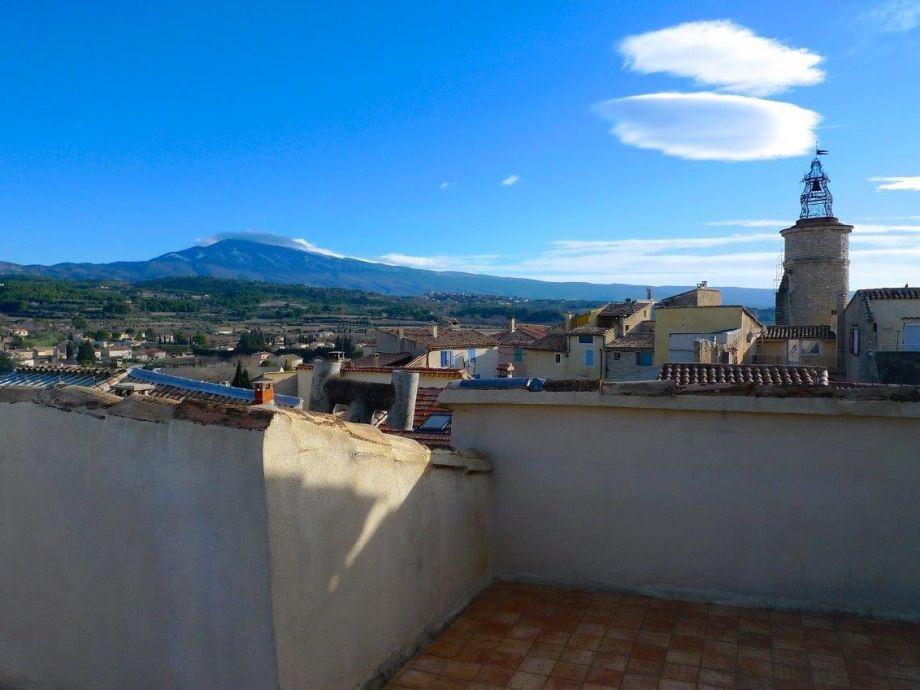 Außenaufnahme Historische Altstadtvilla am Fuße des Mont Ventoux