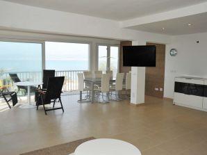 Beach Holiday Apartment Arnal ID 2574