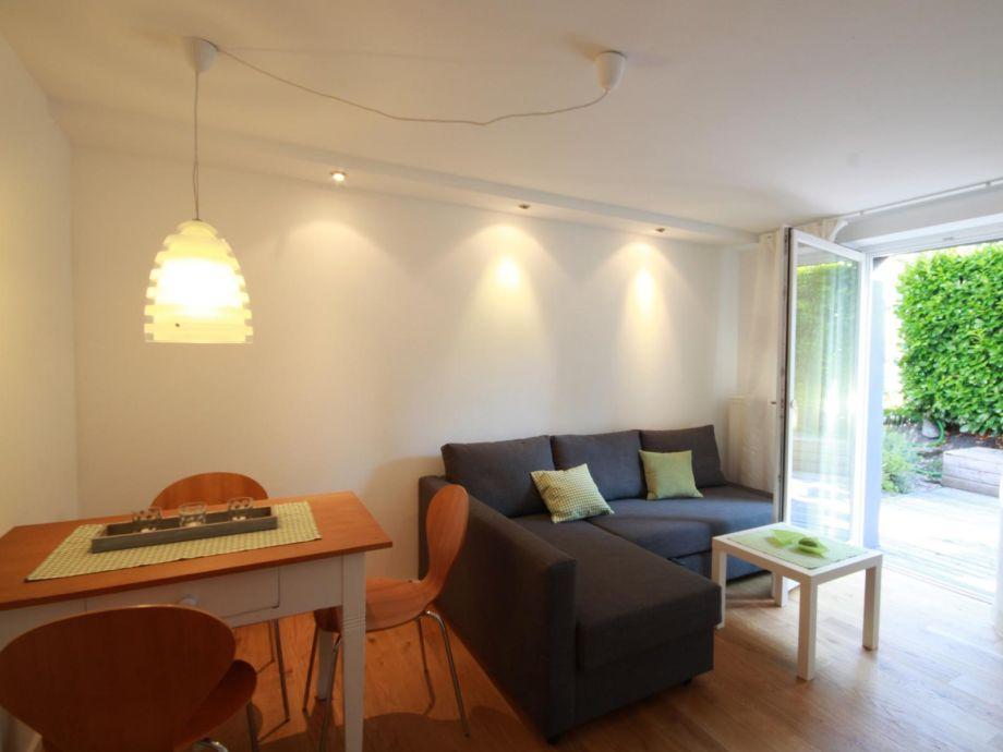 Wohn-Esszimmer mit Ausziehcouch