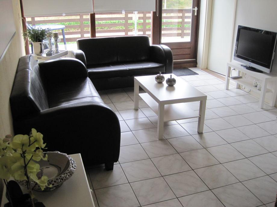 Der Wohnbereich mit TV