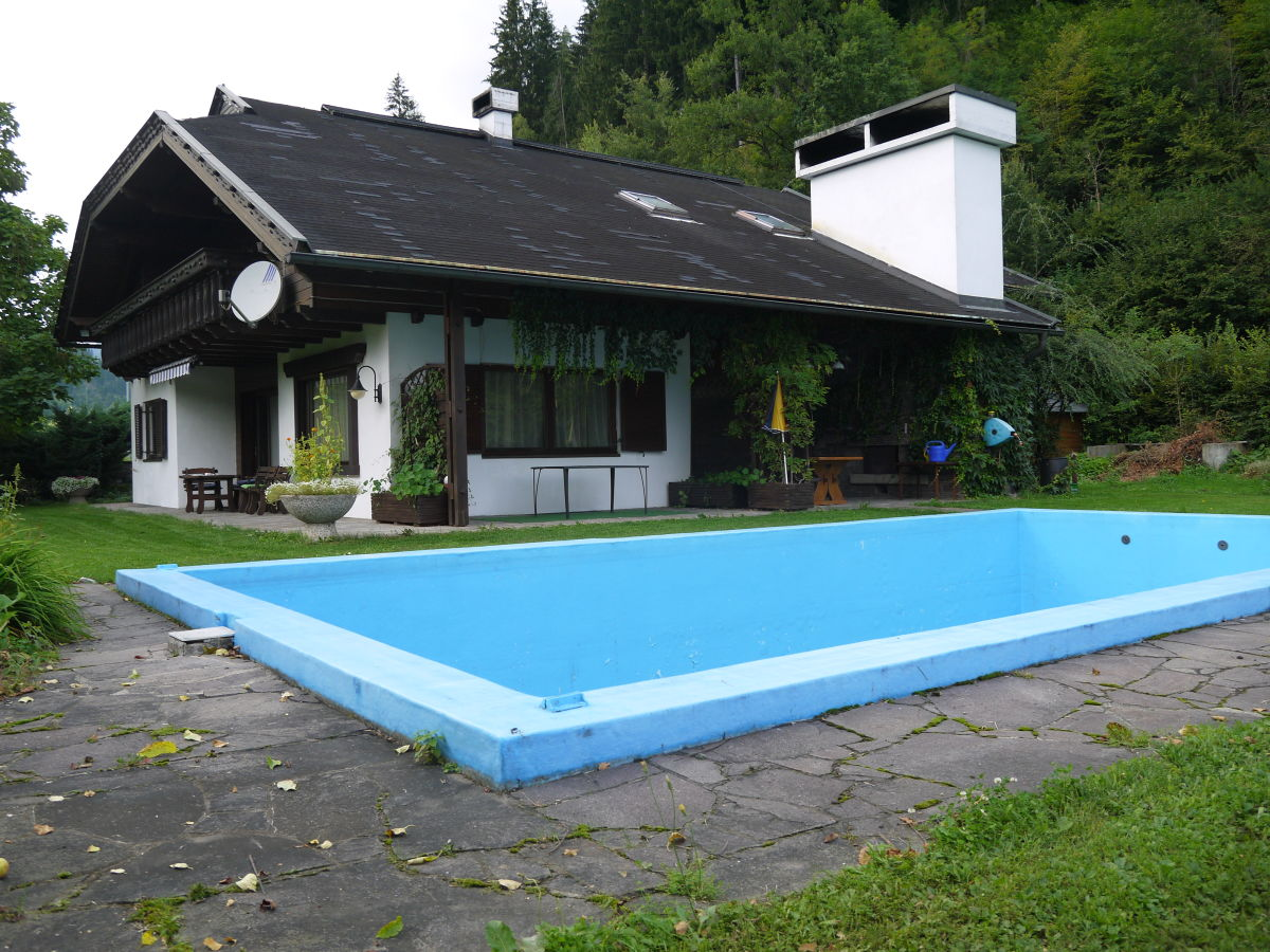 landhaus bungalow mit pool nockberge sterreich herr friedrich schindler. Black Bedroom Furniture Sets. Home Design Ideas