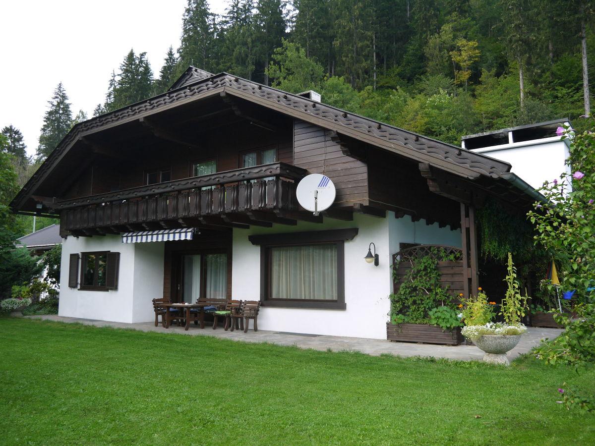 landhaus bungalow mit pool himmelberg herr friedrich schindler. Black Bedroom Furniture Sets. Home Design Ideas