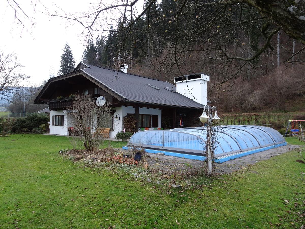 landhaus bungalow mit pool nockberge sterreich herr friedrich schindler. Black Bedroom Furniture Sets. Home Design Ideas