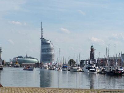 Neuer Hafen mit Weserblick