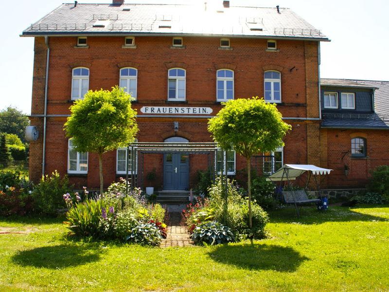 Ferienwohnung Bahnhof Frauenstein Schlossblick