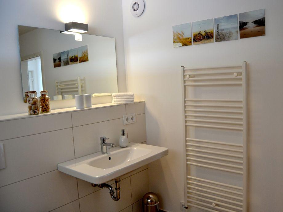Badezimmer Mit Sauna Und Whirlpool ~ Dekoration, Inspiration, Modern Dekoo