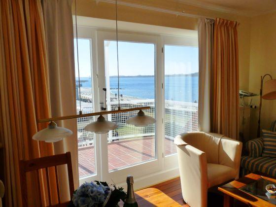 ferienwohnung europe schleswig holstein ostsee kieler f rde laboe firma ostsee. Black Bedroom Furniture Sets. Home Design Ideas