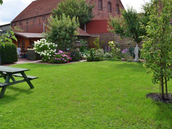 ferienwohnung gem tliche fewo mit garten grill terrasse nordsee herr klaus g nter kohrts. Black Bedroom Furniture Sets. Home Design Ideas