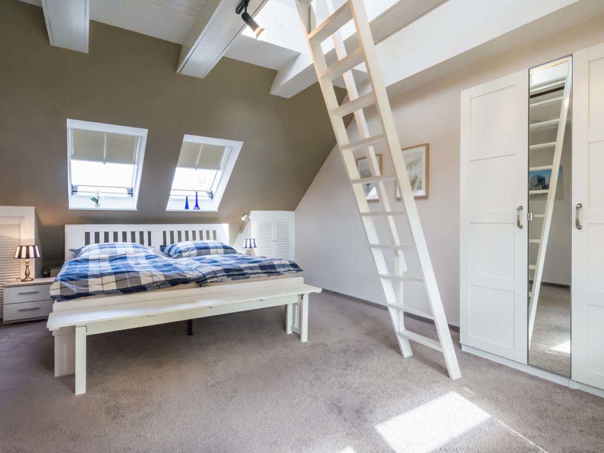 Schlafzimmer Dachgeschoss – MiDiR