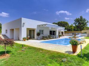 Villa 593