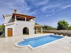 Villa 090