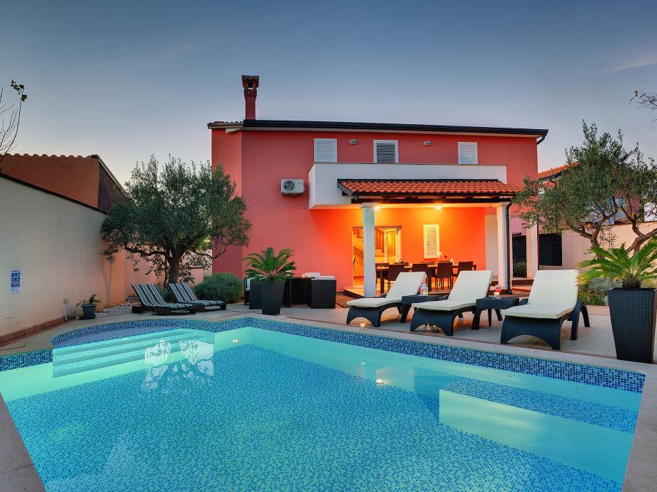 Tolle Villa mit Swimmingpooö