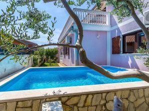 Villa 599