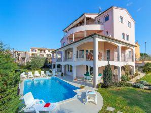 Villa 833
