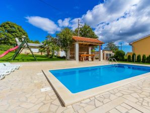 Villa 838