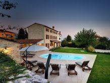 Villa 409