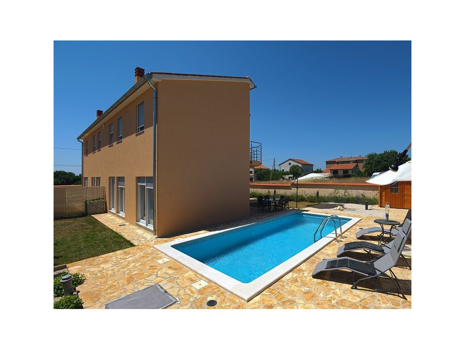 Die Villa 390