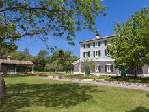 Villa 672