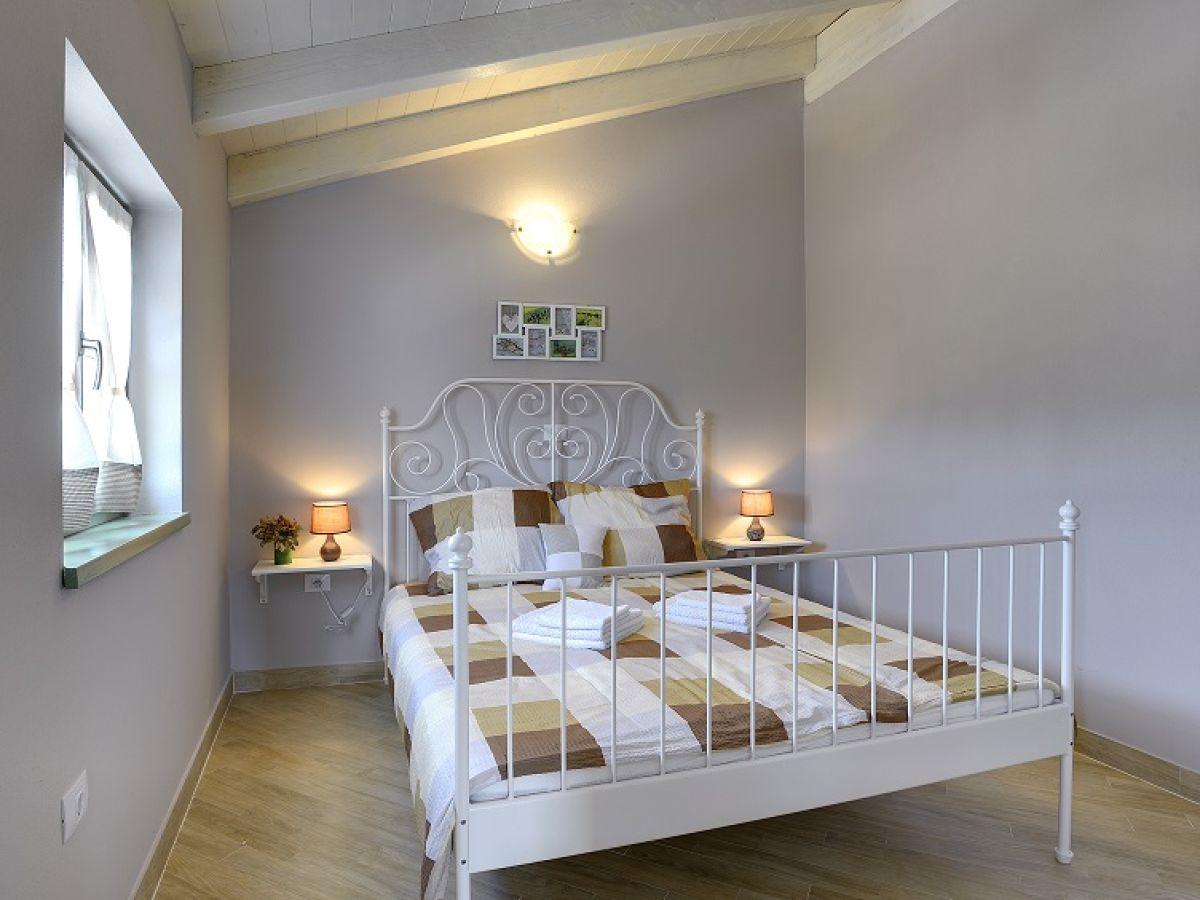 ... Helle Schlafzimmer Farben By Villa 435 Istrien Firma Reiseb 252 Ro  Blaue Adria Herr ...