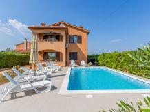 Villa 448