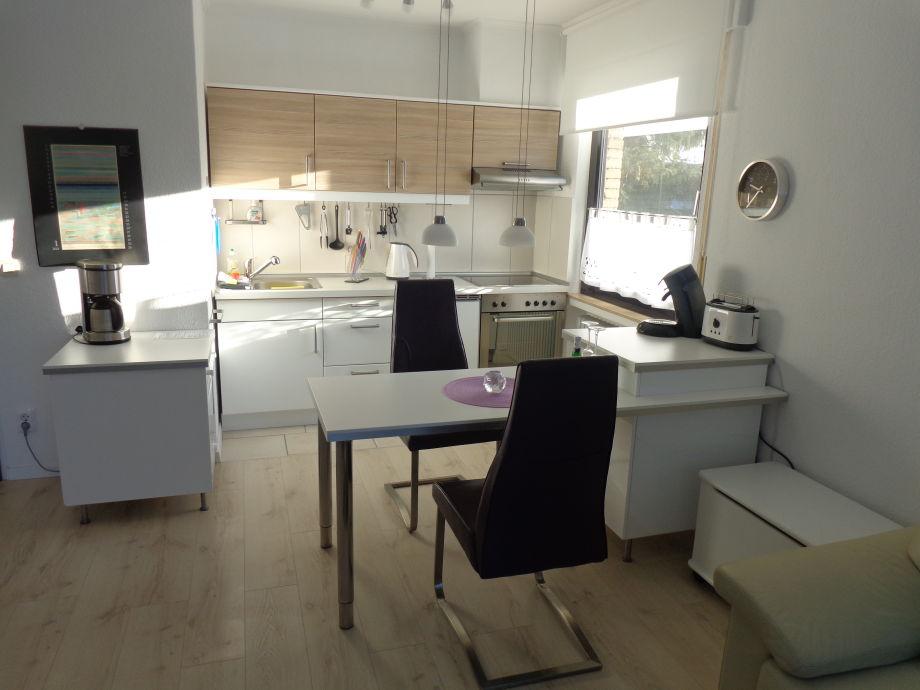 Küchenbereich links geschirrspüler