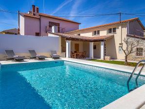 Villa 050