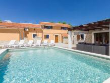 Villa Villa 055