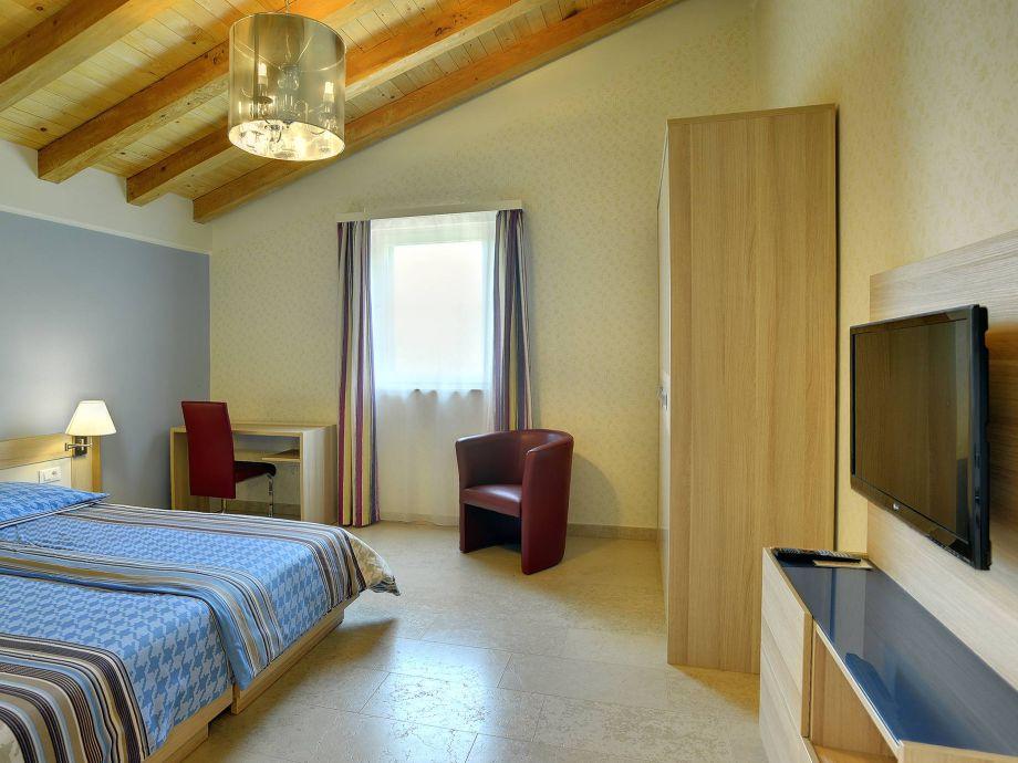 villa 060 istrien firma reiseb ro blaue adria herr. Black Bedroom Furniture Sets. Home Design Ideas